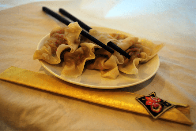 Korean Food 26 Steamed mandu dumplings (jjinmandu)