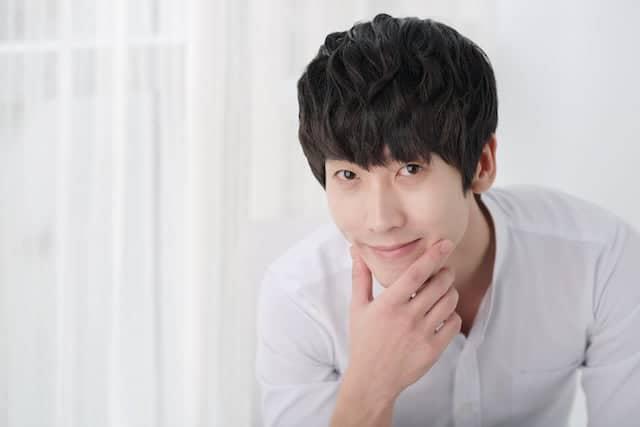 Standard Handsome in Korean