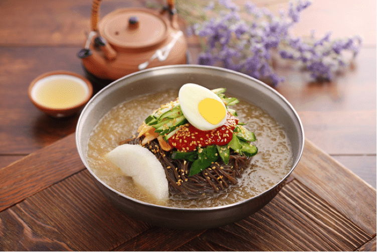 Korean Summer Food 4 Naengmyeon