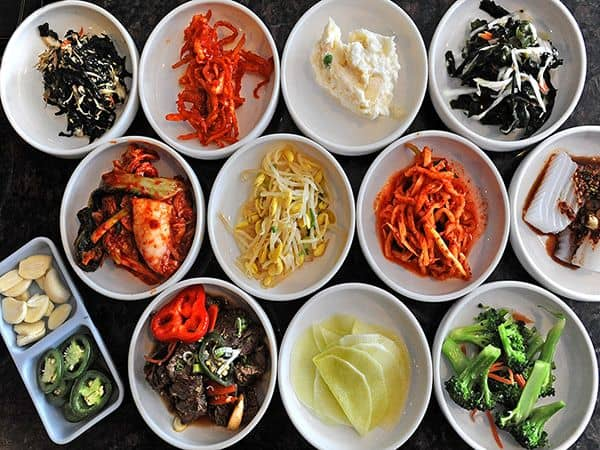 Korean table manners