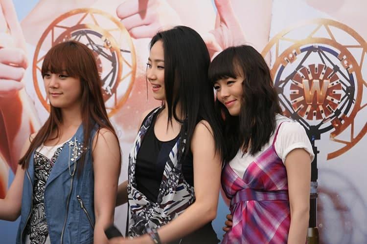 3 members of the girl group Wonder Girls